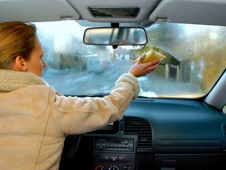 Как помыть автомобильные окна